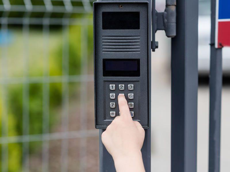intercom-mounted-gate